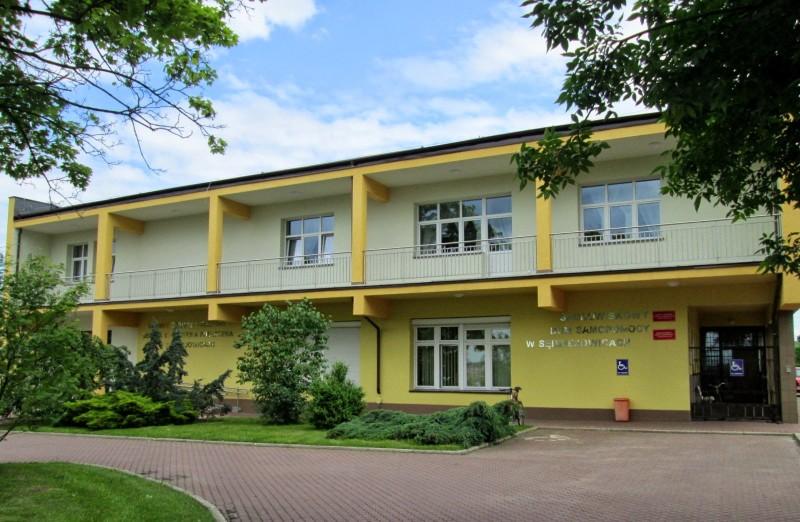 57 Sędziejowice-dom kultury i ośrodek samopomocy B255